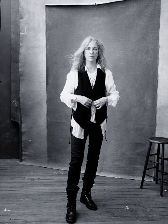 gallery-1448887959-pirelli-calendar-2016-november-patti-smith-0